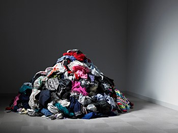 pile-of-clothes-web-131148758435782541